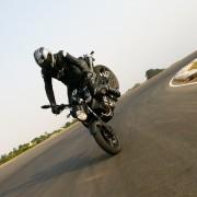 Yamaha MT-03 dando RL