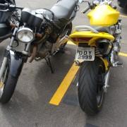 Comparando com a Hornet amarela