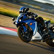 Yamaha YZF-R1 2011 Azul e Branca
