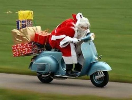 Papai Noel de Vespa