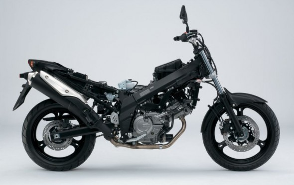 Suzuki DL-650 V-Strom sem tanque e carenagens
