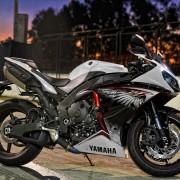 Yamaha YZF-R1 2013 (33)