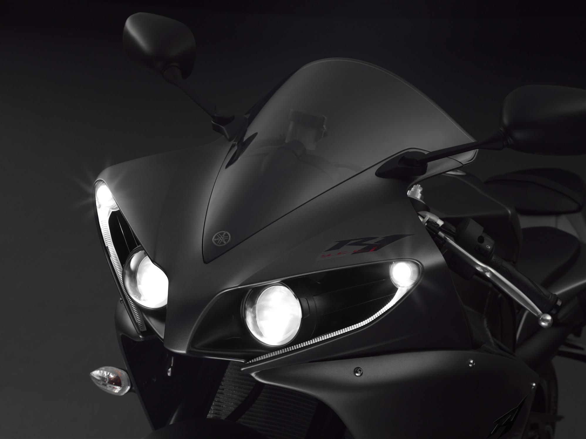 Yamaha YZF-R1 2013 (9)
