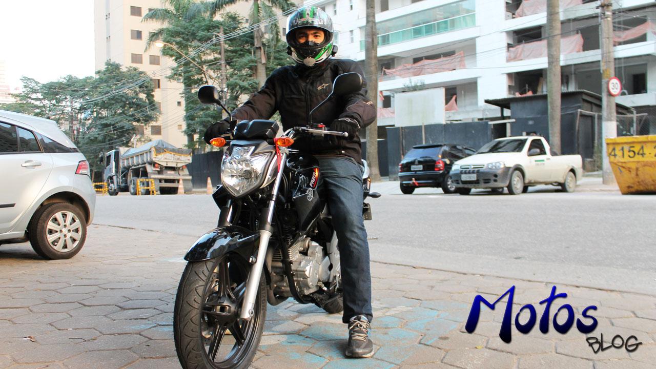 Eu na Yamaha Fazer 250 Blueflex