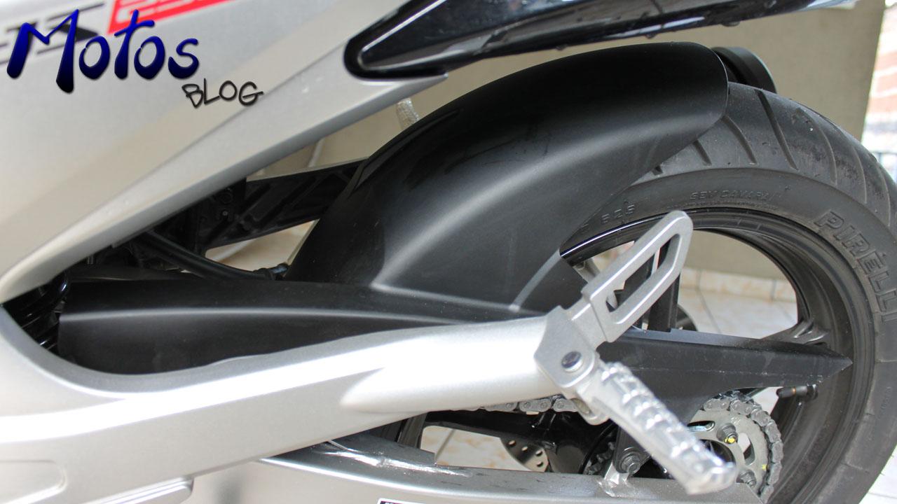 Capa de roda e corrente