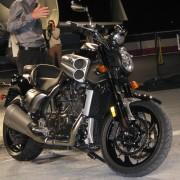 Yamaha V-Max - Repare o escape e as entradas de ar