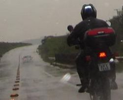 Moto e chuva