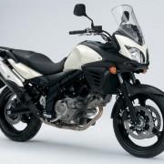 Suzuki DL-650 V-Strom Branca perfil Direita