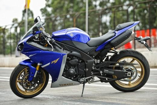 Yamaha YZF-R1 2013 (36)